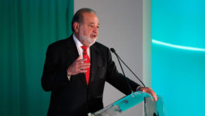 Billionaire Carlos Slim survives COVID-19 attack