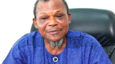 Photo of Buhari mourn ex-Military Administrator, Ndubuisi Kanu