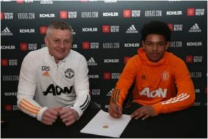 Shoretire Nigeria-born teenager now Manchester United player