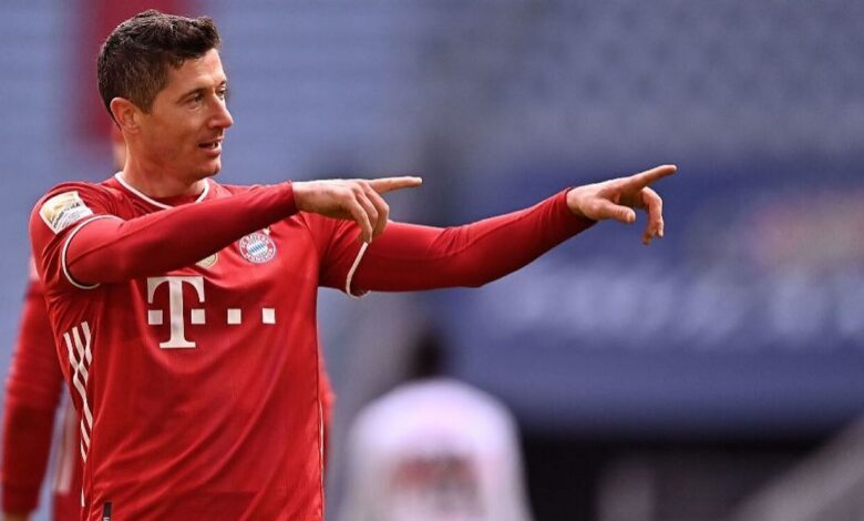 Injured Lewandowski to miss England clash