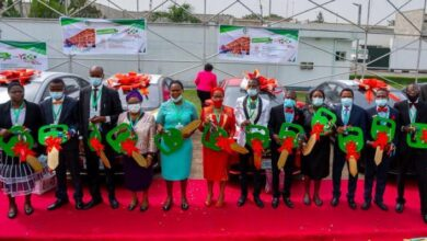 Photo of Lagos Rewards Teachers With Brand New Cars