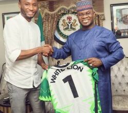 Photo of Ex-Super Eagles captain, Mikel Obi visits Governor Yahaya Bello, harps on youth leadership