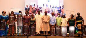 Photo of Sanwo-Olu gifts 10 cars to outstanding Lagos civil servants