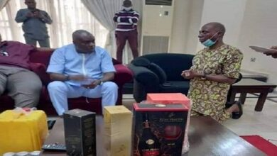 Photo of TRENDING: Senator kneels before ex-governor in Delta