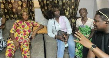 Photo of Mr Macaroni donates N500k to family of lady killed during Yoruba Nation rally