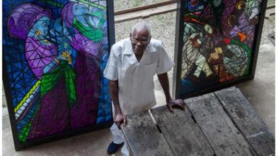 Photo of President Buhari pays tribute to veteran artist, Prof. Grillo