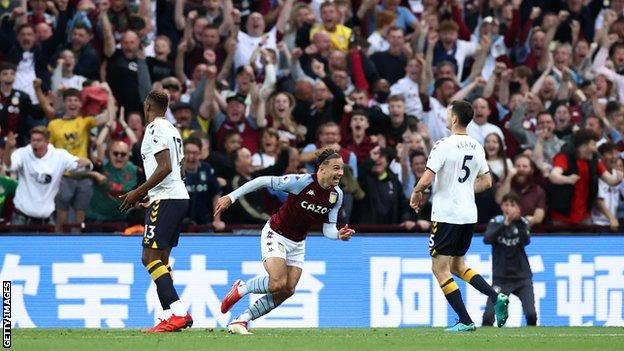 Aston Villa break Everton's unbeaten run
