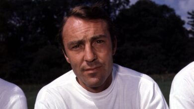 Photo of Former England great Jimmy Greaves dies aged 81