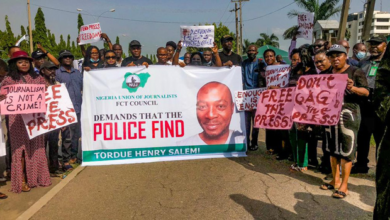 Photo of Tordue Salem: Journalists storm Police Headquarters in Abuja, protest whereabouts of missing colleague